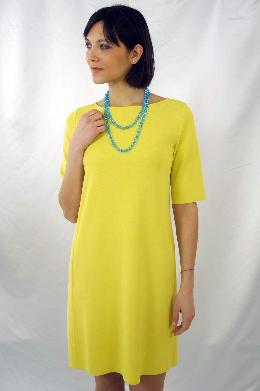 Gelbes etui kleid